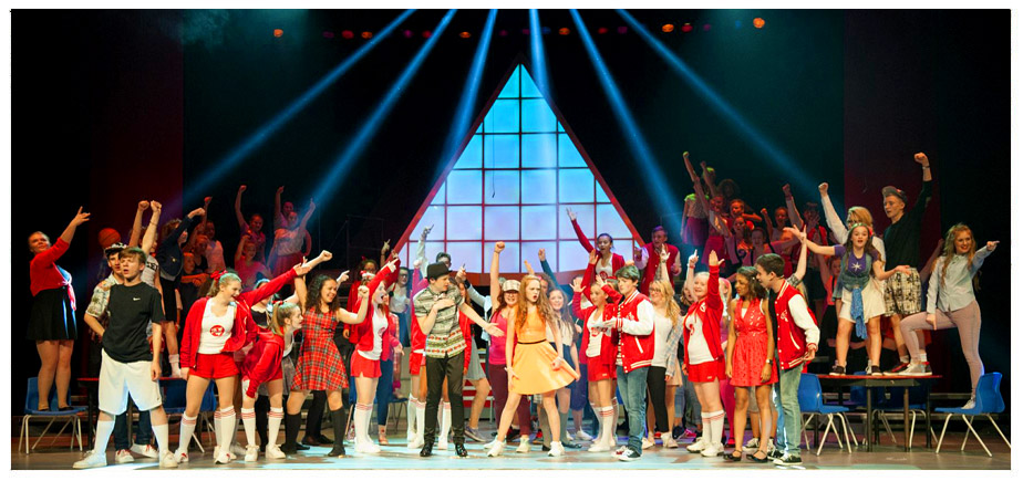 Stage 84 perform Disney's High School Musical on Stage